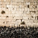 viaje-circuito-israel-tierrasanta-24-Copyright-CURIOSO.PL-Prayers-at-the-Western-Wall,-Jerusalem,-Israel